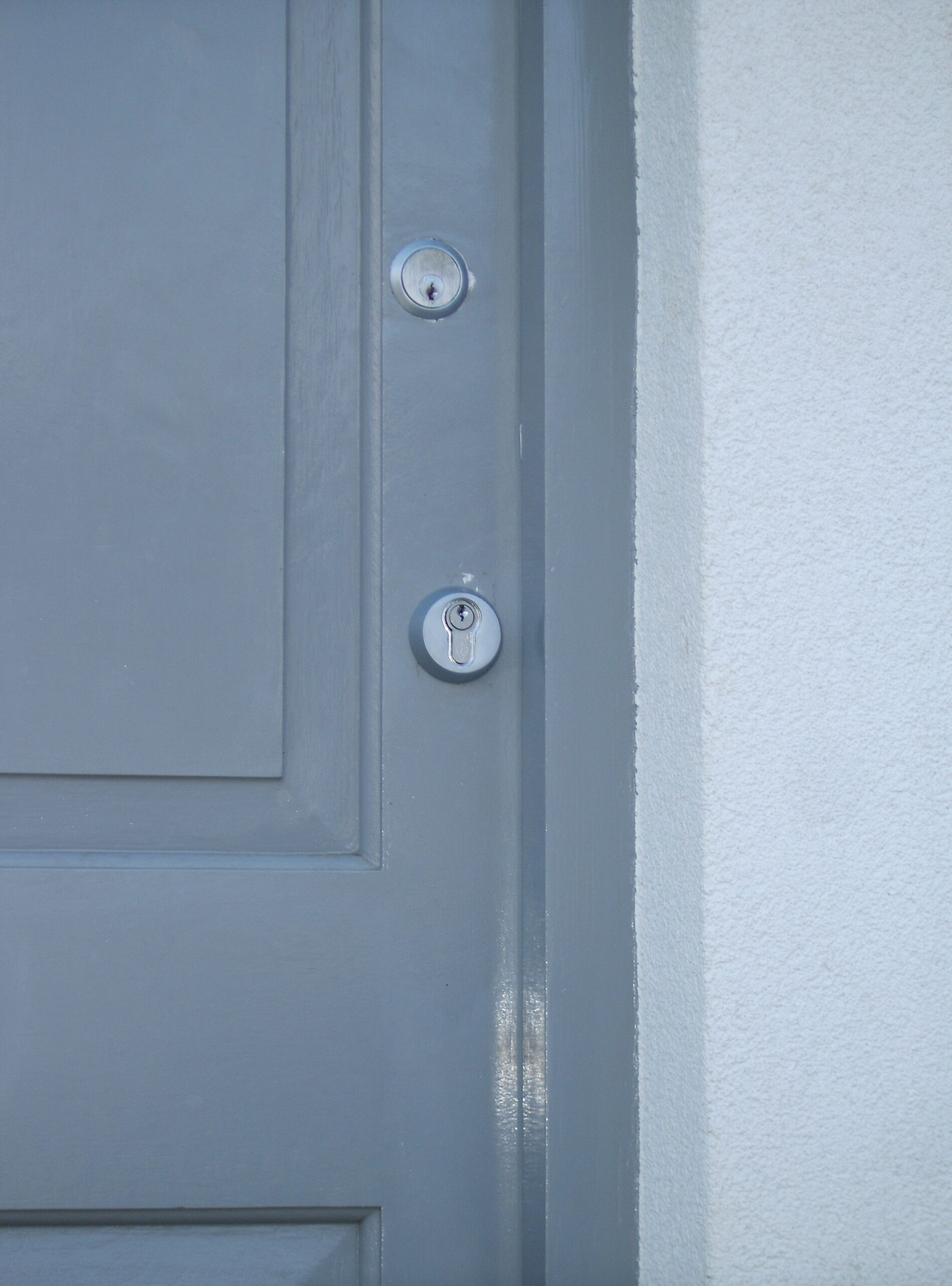 keyed alike locks wooden door