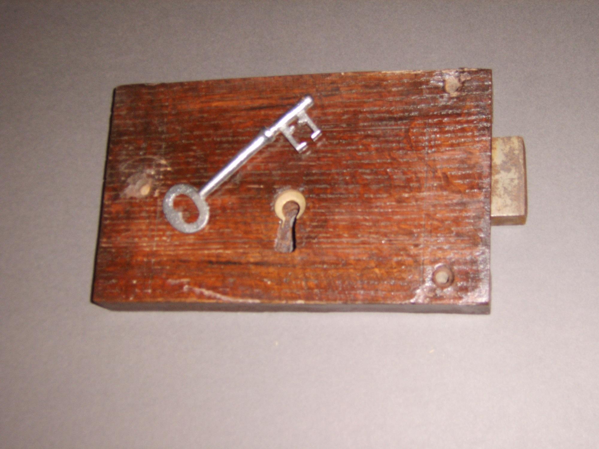 Locksmith EN5. Old stock lock